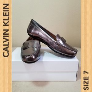 CALVIN KLEIN NWT Women's Loafer Shoes 1